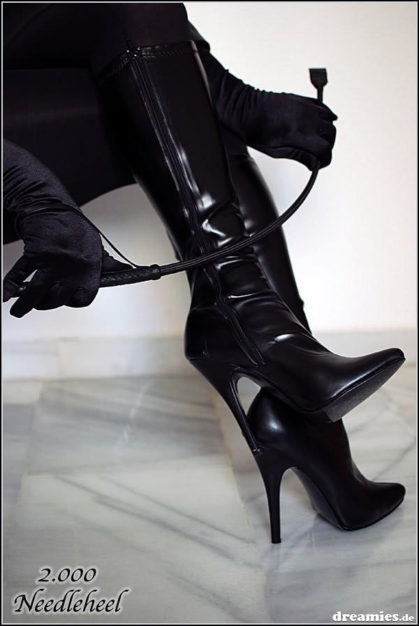 госпожа порет раба плёткой